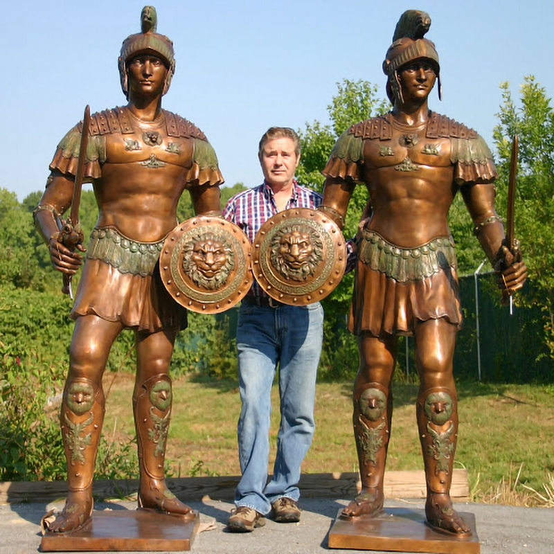 With the golden Roman soldiers