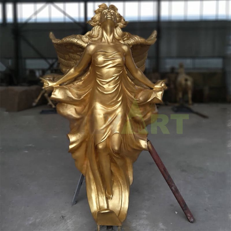 Life-size angel Garden statue, flying angel statue of a young girl