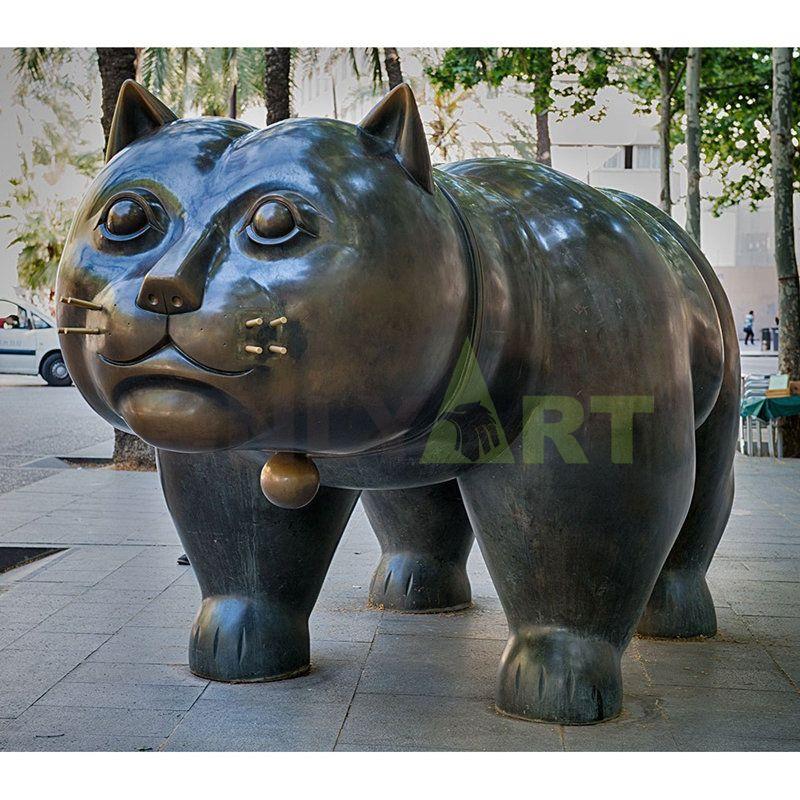 Fat cat nose like Garfield, bronze sculpture