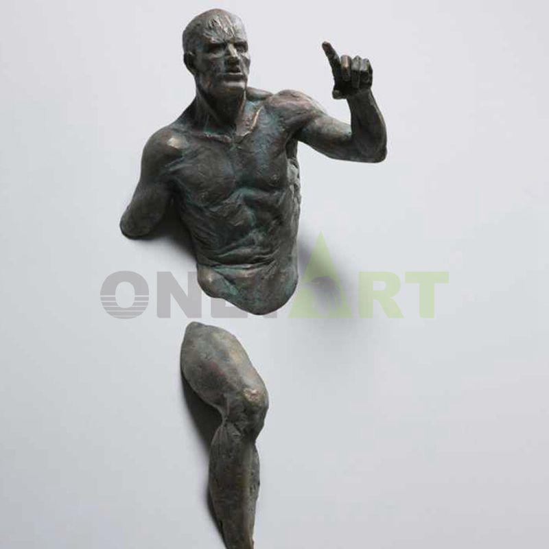 Point to your matteo pugliese sculpture