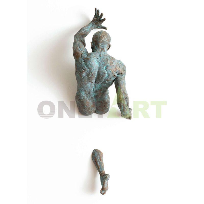 Bronze Matteo Pugliese on wall art statue