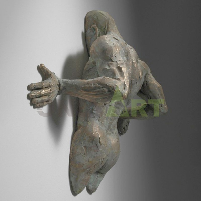The mused bronze sculpture was designed by Matteo