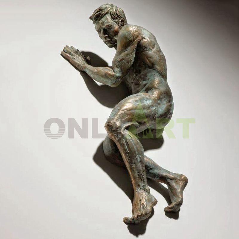 Hot sale antique sculpture on wall art bronze Matteo Pugliese statue