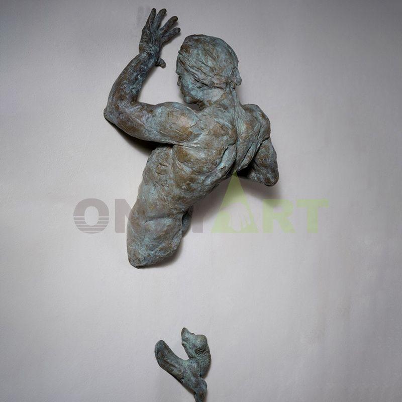 Matteo Pugliese Statue Man On Wall Art Sculpture Hot Sale Statue