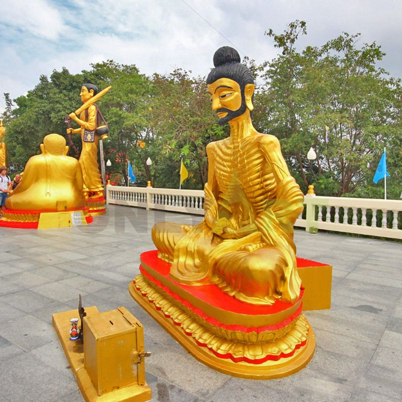 India tends to the cartoon color of the Buddha statue