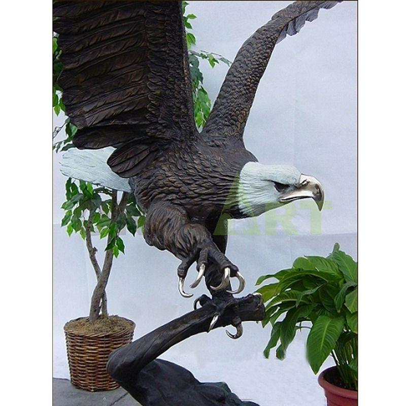 Indoor decorative bronze eagle sculpture for indoor decoration