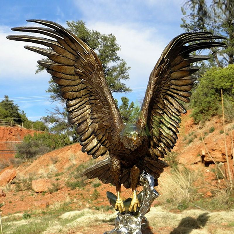 New product large size garden outdoor metal bronze eagle hawk head sculpture