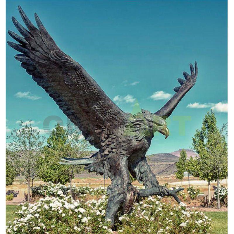 In Stock Golden Supplier Metal Eagle Sculpture