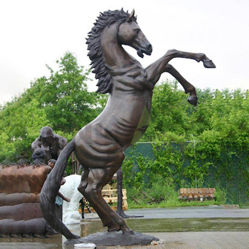 Custom racing club public decor outdoor bronze group running horse fountain sculpture