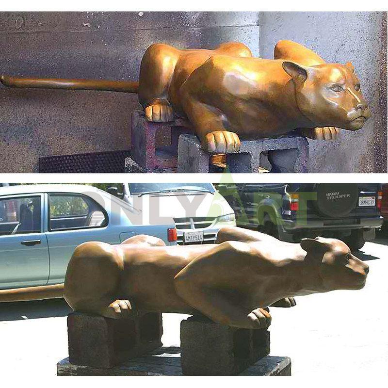 Outdoor Life Size Bronze Cougar On Stone Statue Copper Lion Sculpture