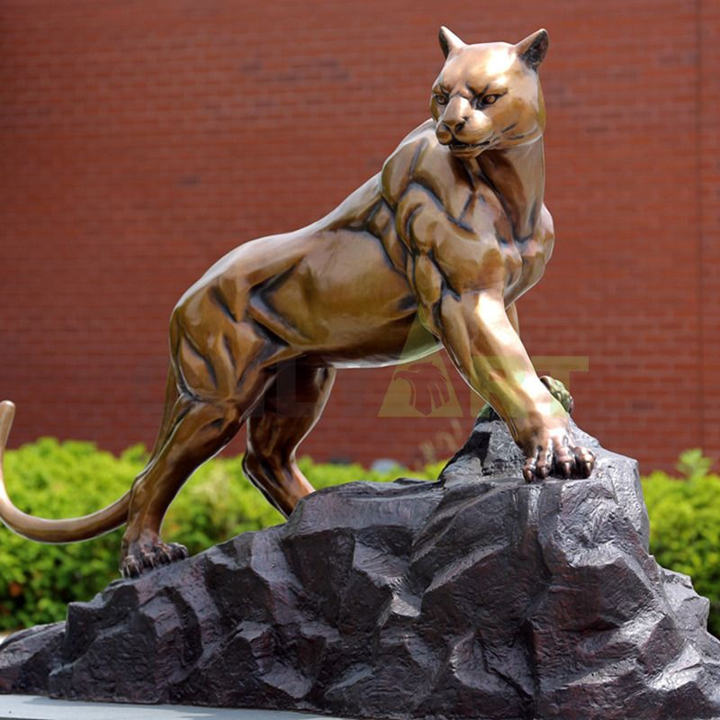 New products outside bronze life size wild animal decoration and cougar statue