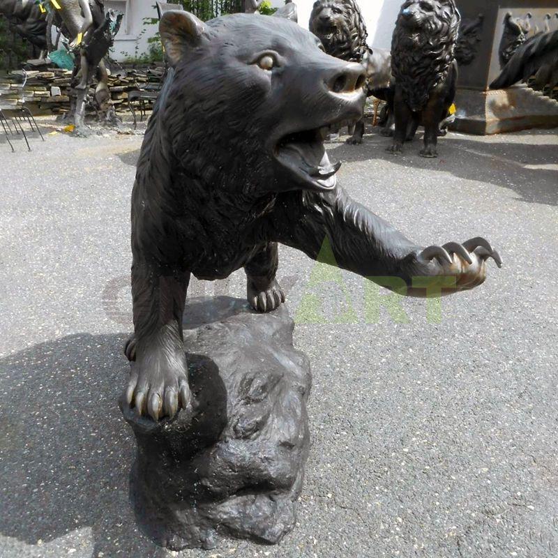 Bronze sculpture bear animal statue