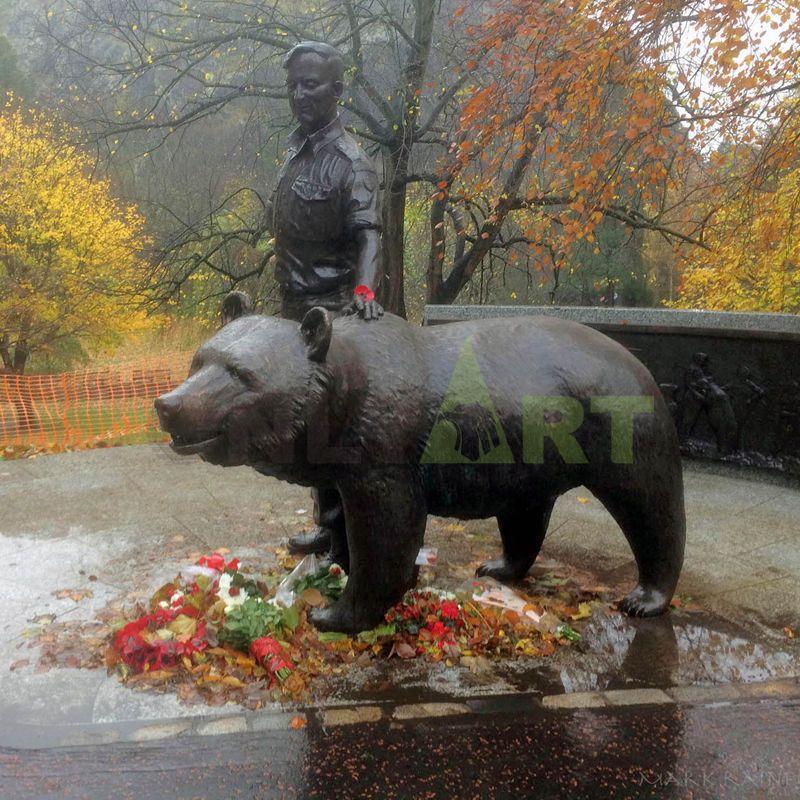 Metal Wildlife Sculpture Decor Life Size Bronze Bear Statue Garden Ornament