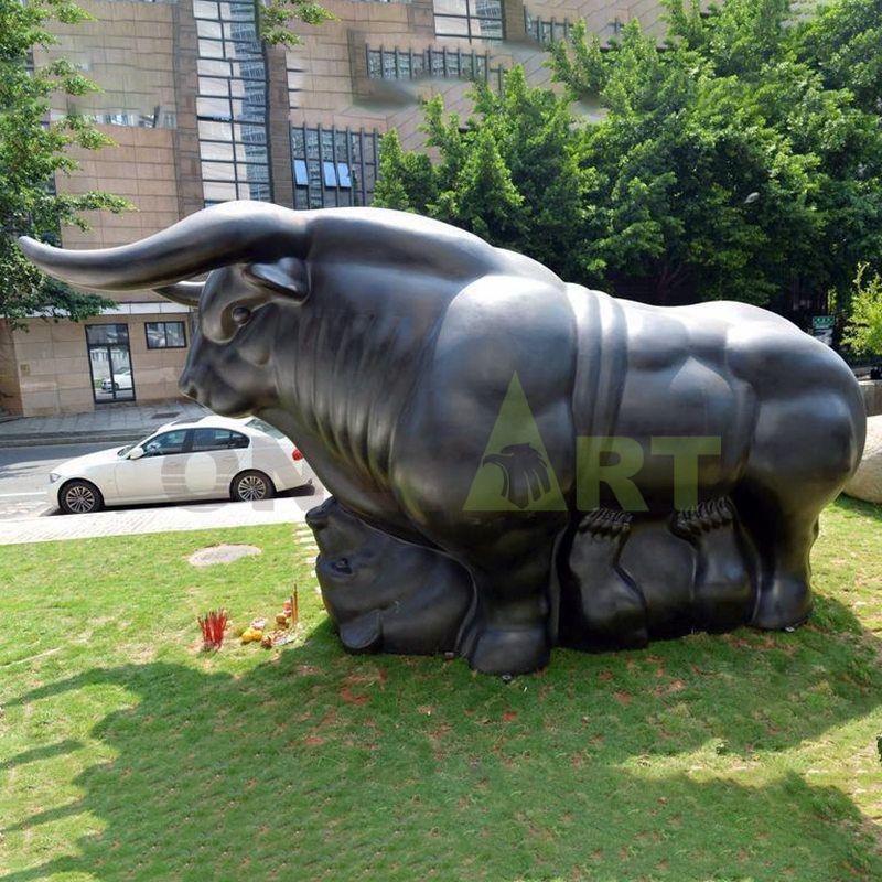 Classical Bronze Wall Street Bull Sculpture Interior for Sale