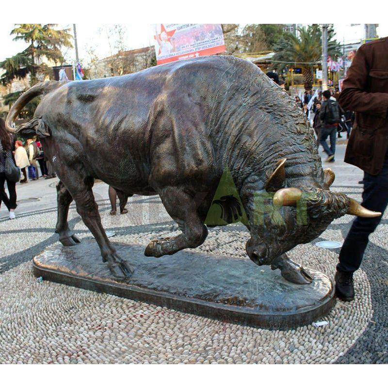 Modern Garden Outdoor Street Decoration Large Animal Metal Sculpture Bronze Wall Street Bull Statue