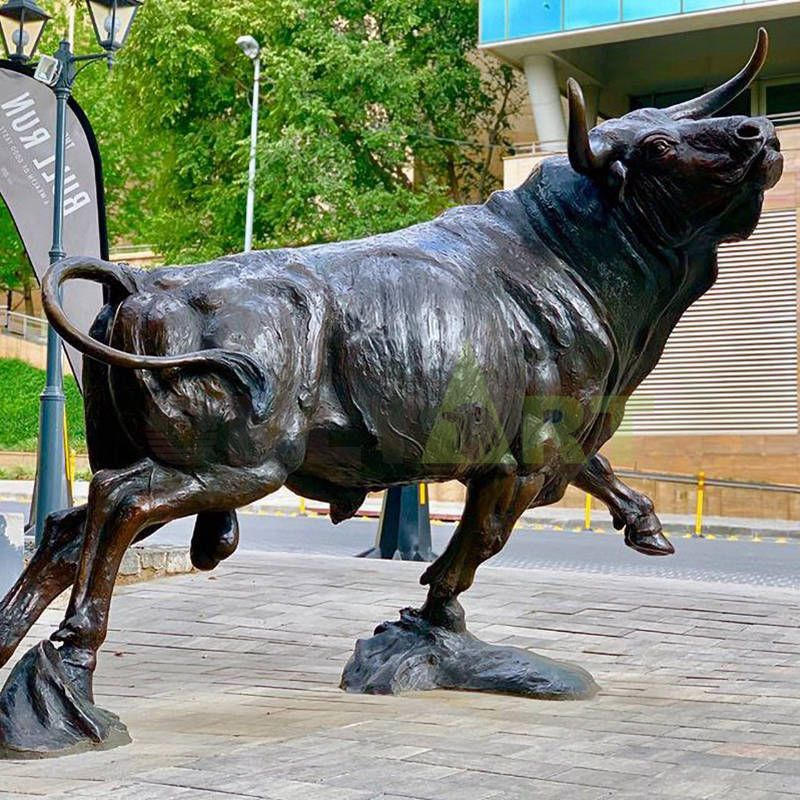 factory sale Garden decoration Wall Street Bronze bull sculpture