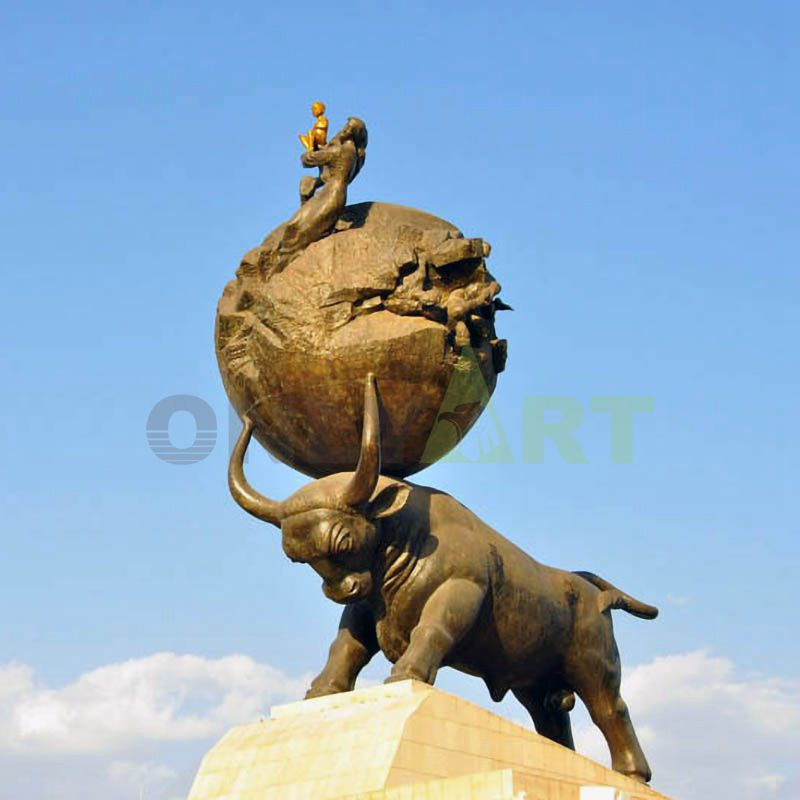 life size gold-plated bronze bull statue of Customized design