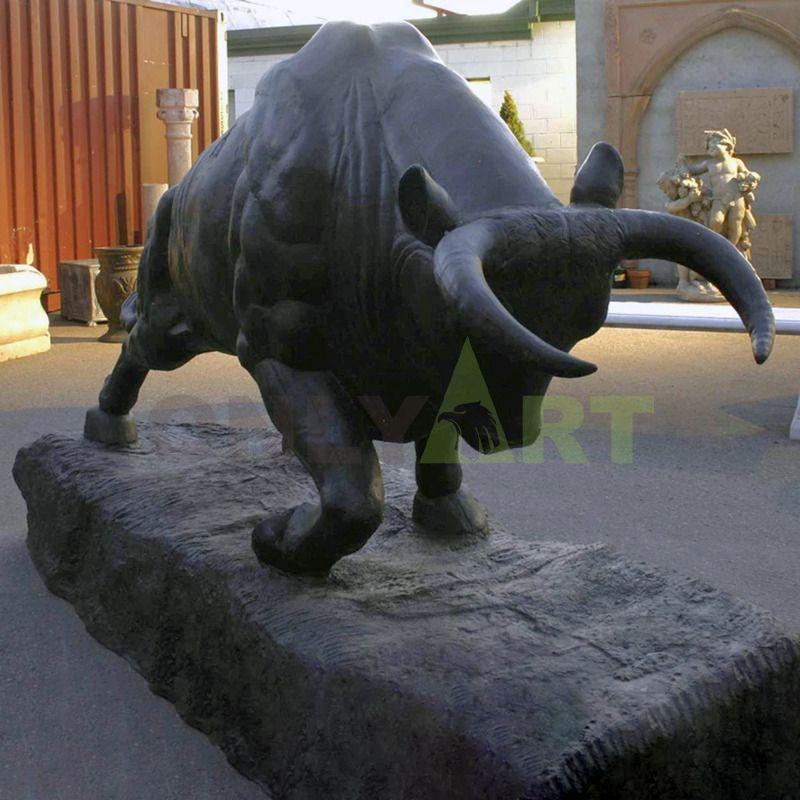 Bronze cast Cow sculpture copper bull statue for sale