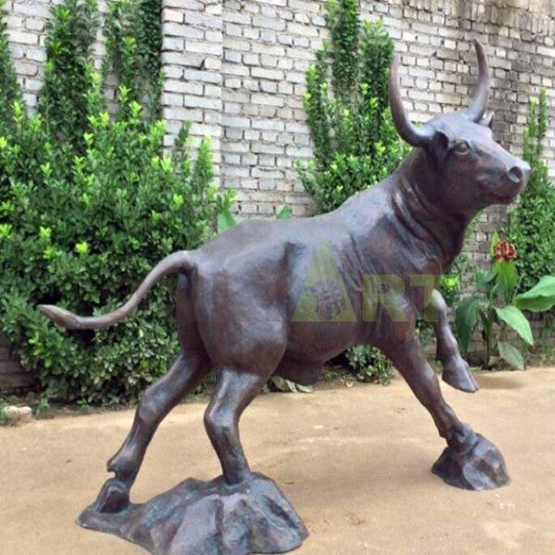 outdoor life size bronze bull statue large cast bronze bull sculpture
