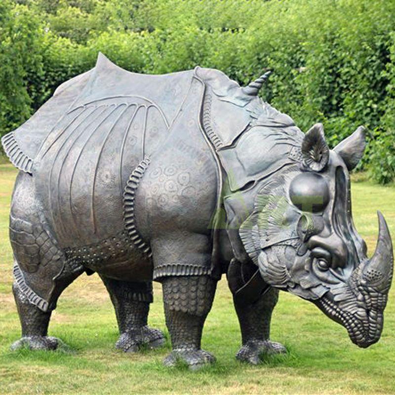 silver rhino statue for garden park decoration