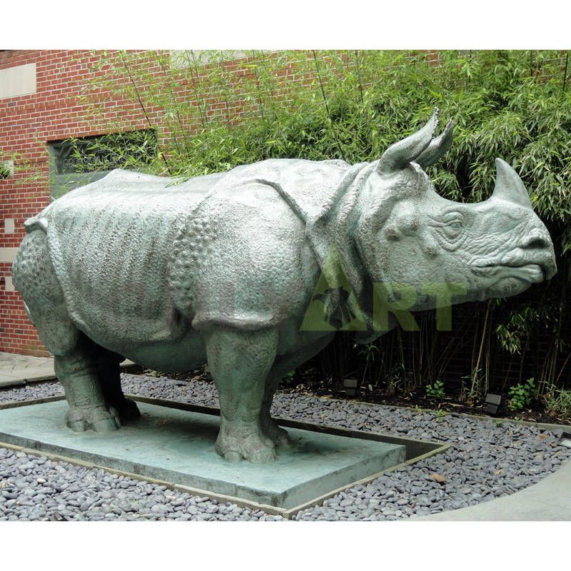 Hot Selling Low Price Rhino Statue