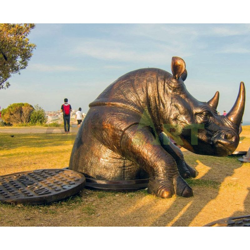 Antique Made Of bronze Rhino Lifelike Figurine Garden Decor Statue