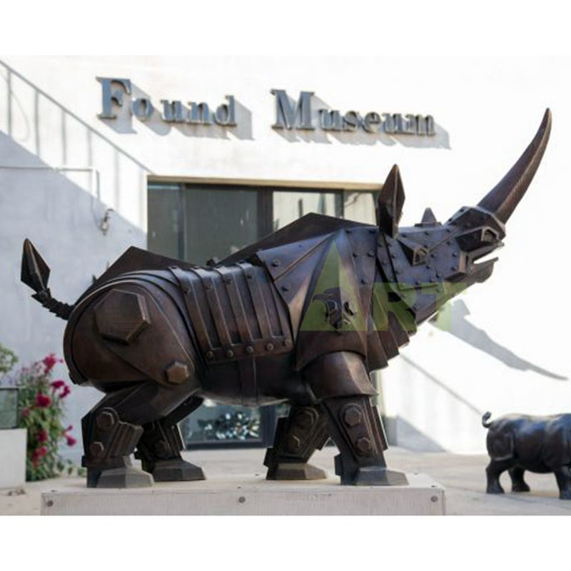 Fine Workmanship Metal Material Bronze Rhino Sculpture