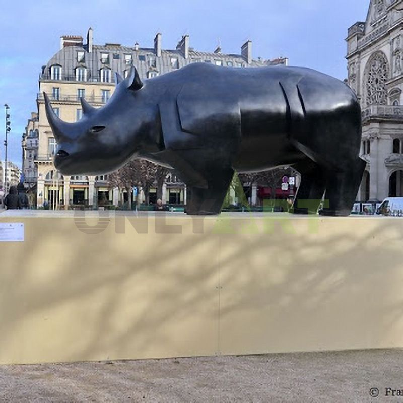 outdoor carved rhino sculpture cast large bronze rhino