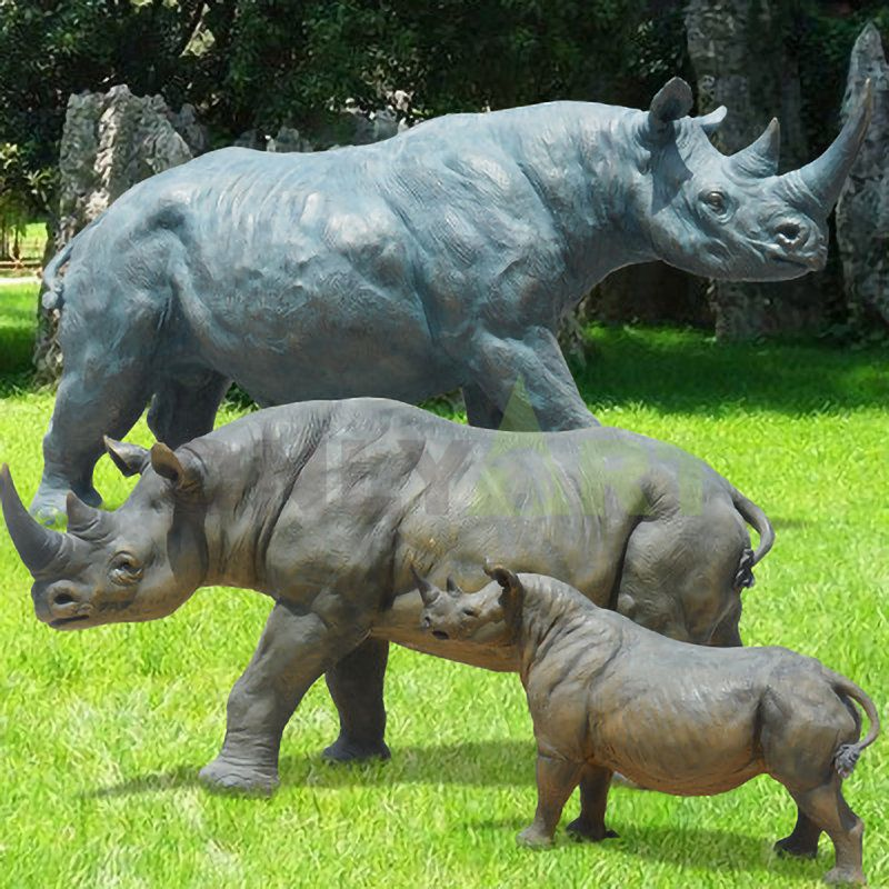 Garden decor metal animal statue life size bronze mother and son rhino sculpture