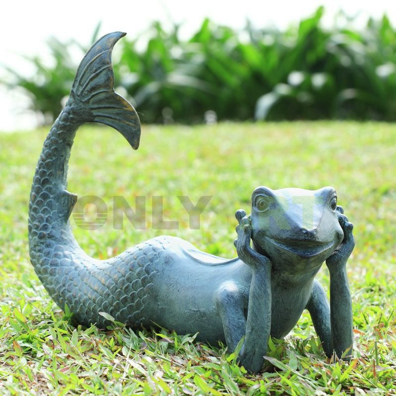 Sculpture of a frog with a mermaid's tail