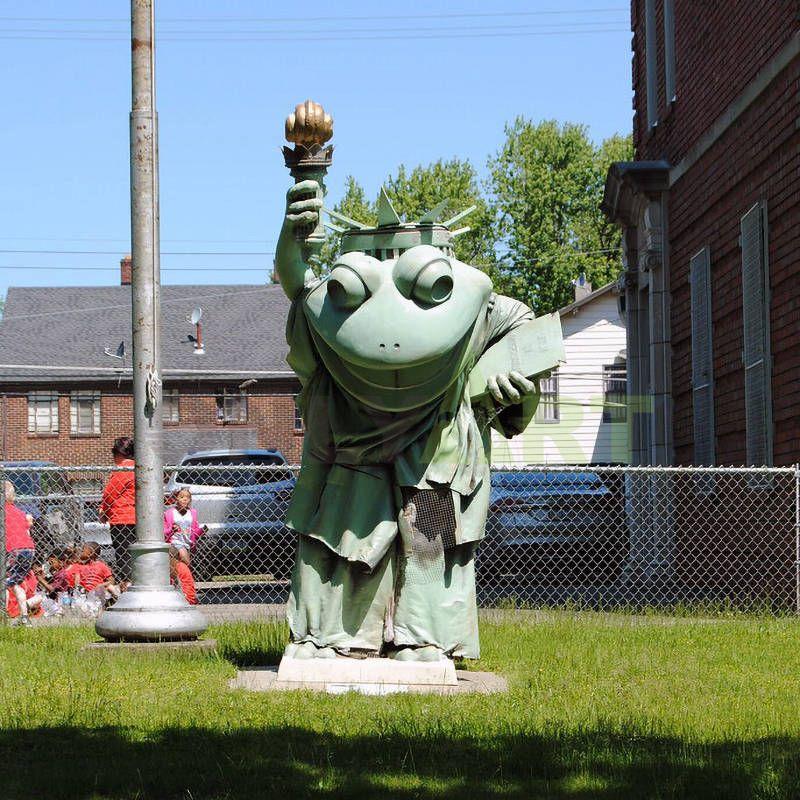 decorative frog sculpture