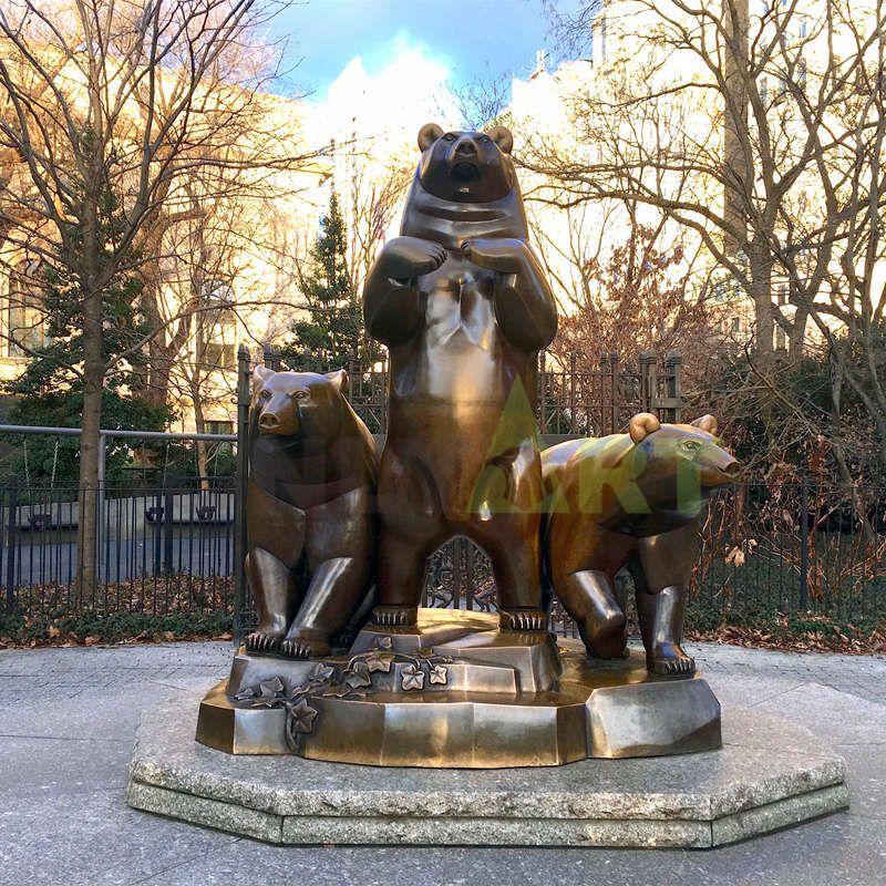 Bronze Metal Bear Trophy Cast Iron Figurine Small Animal Statue Cast Iron Sculpture