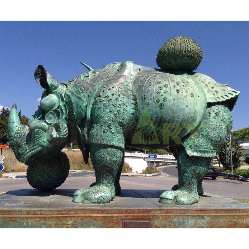Rhino(1).jpg