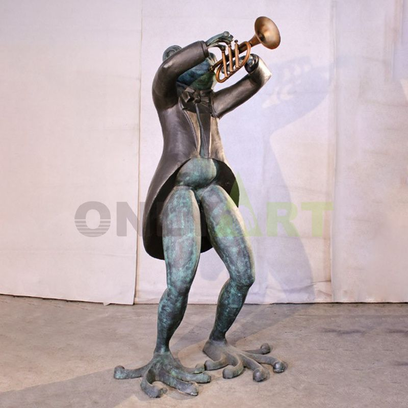 Frog Musician(14).jpg